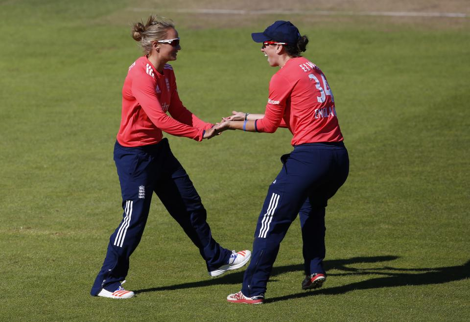 0654d984a7e Danni Wyatt   Georgia Elwiss secure thrilling win for England in India